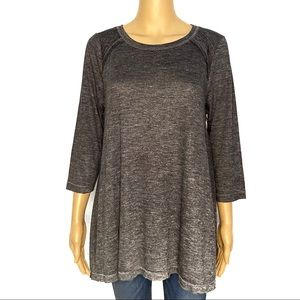 Jessica Simpson nursing long sleeve NWT